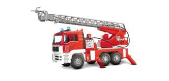 Bruder 02771 MAN Feuerwehr mit Drehleiter, Licht und Sound